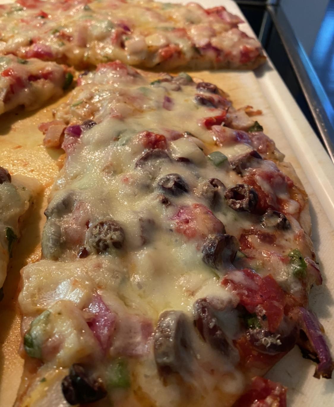 Easy Tomato-Basil Pizza Amanda Potter