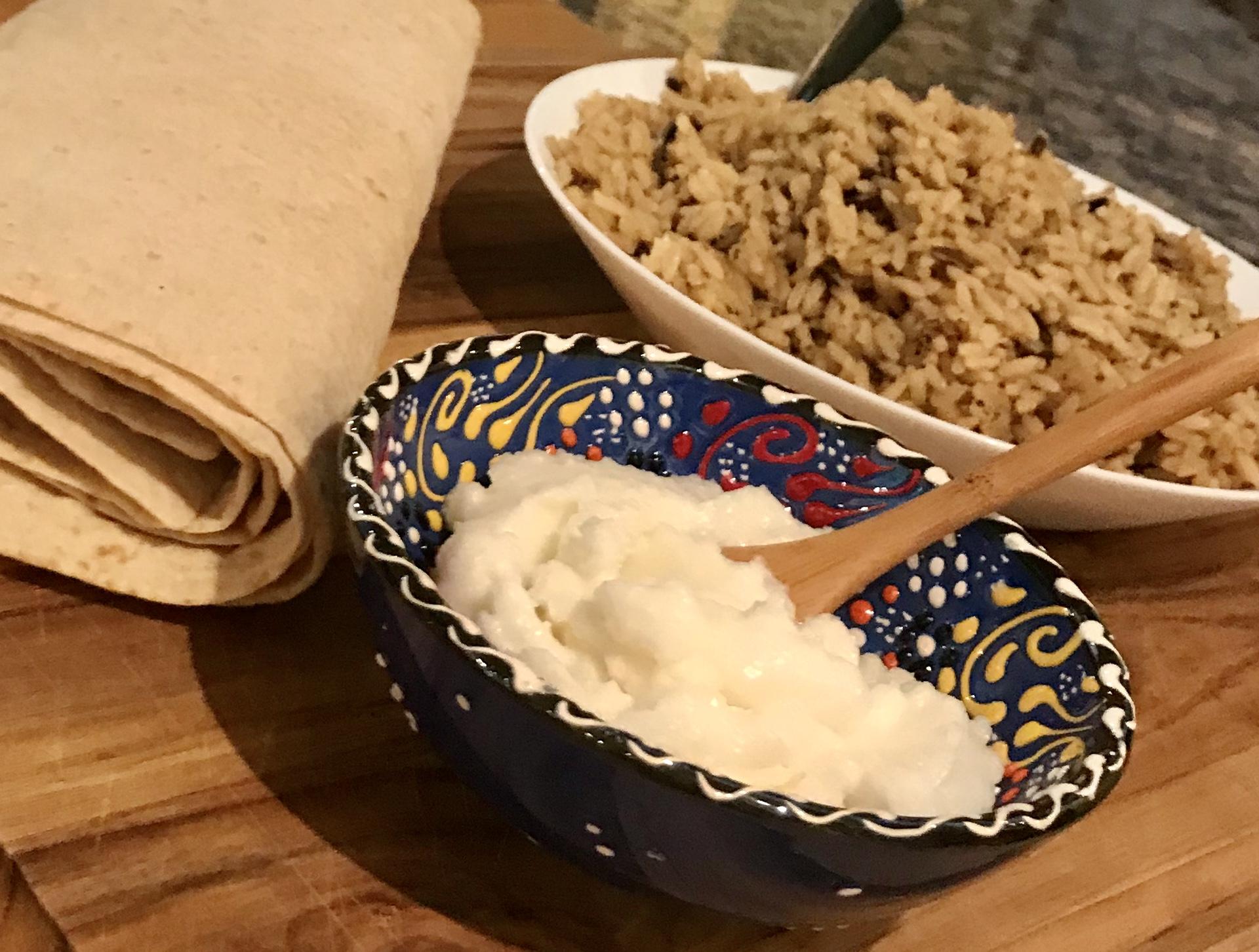 Toum (Lebanese Garlic Spread)