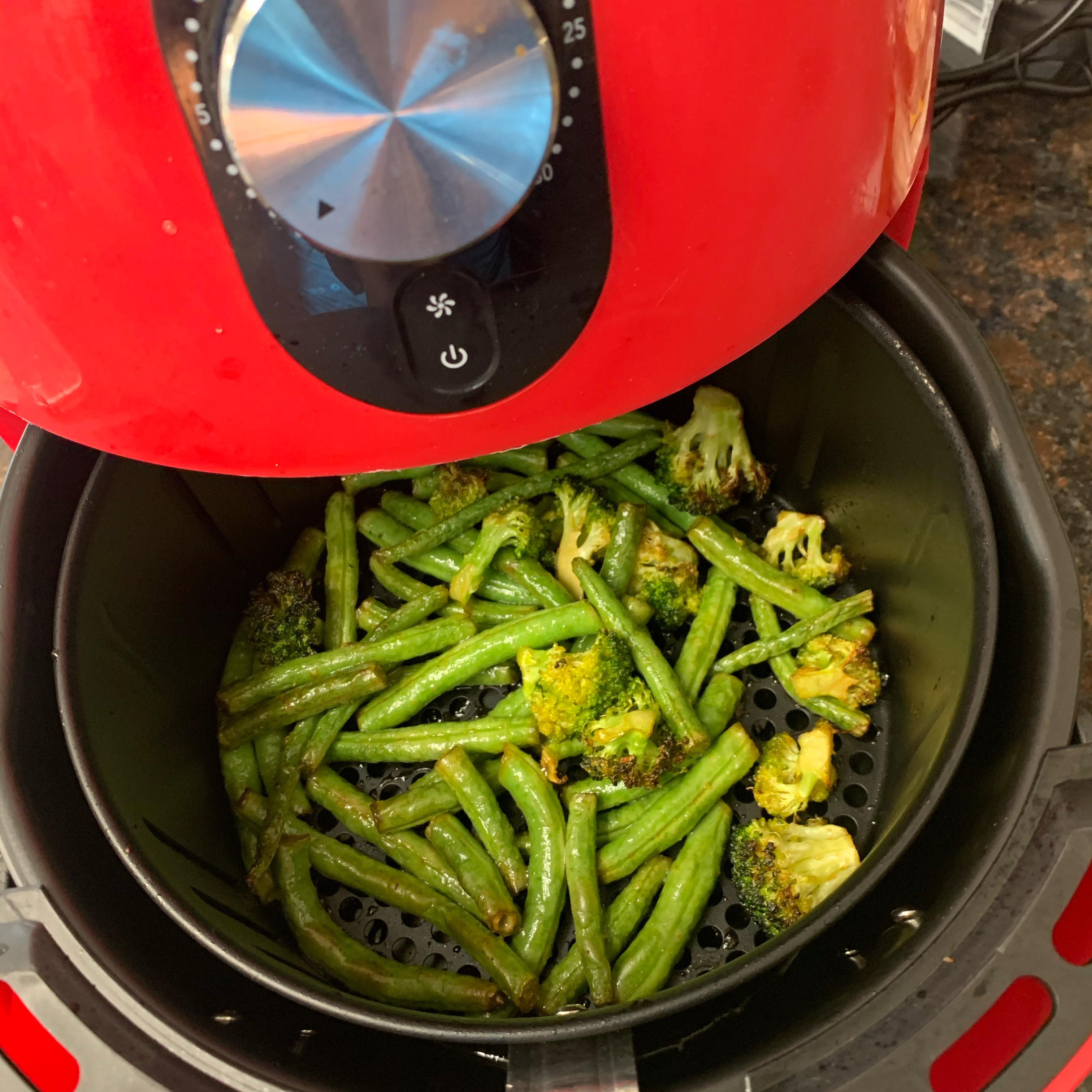 Air Fryer Spicy Green Beans MamaNyk