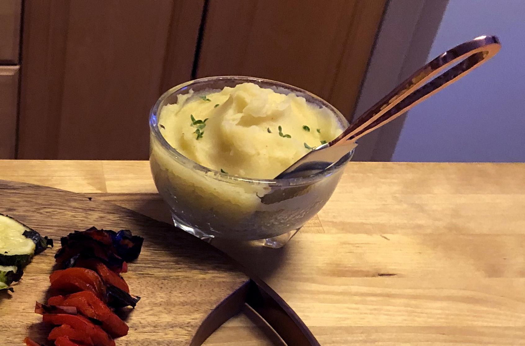 Skordalia (Greek Garlic Potato Dip) Jonathan Eby