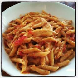 Creamy Parmesan and Sun-Dried Tomato Chicken Penne