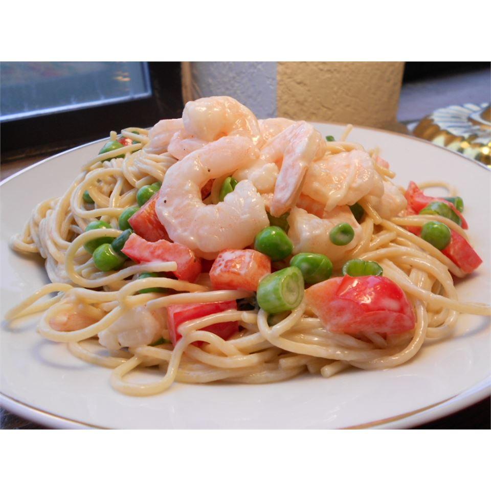 Spaghetti Shrimp Salad kellieann