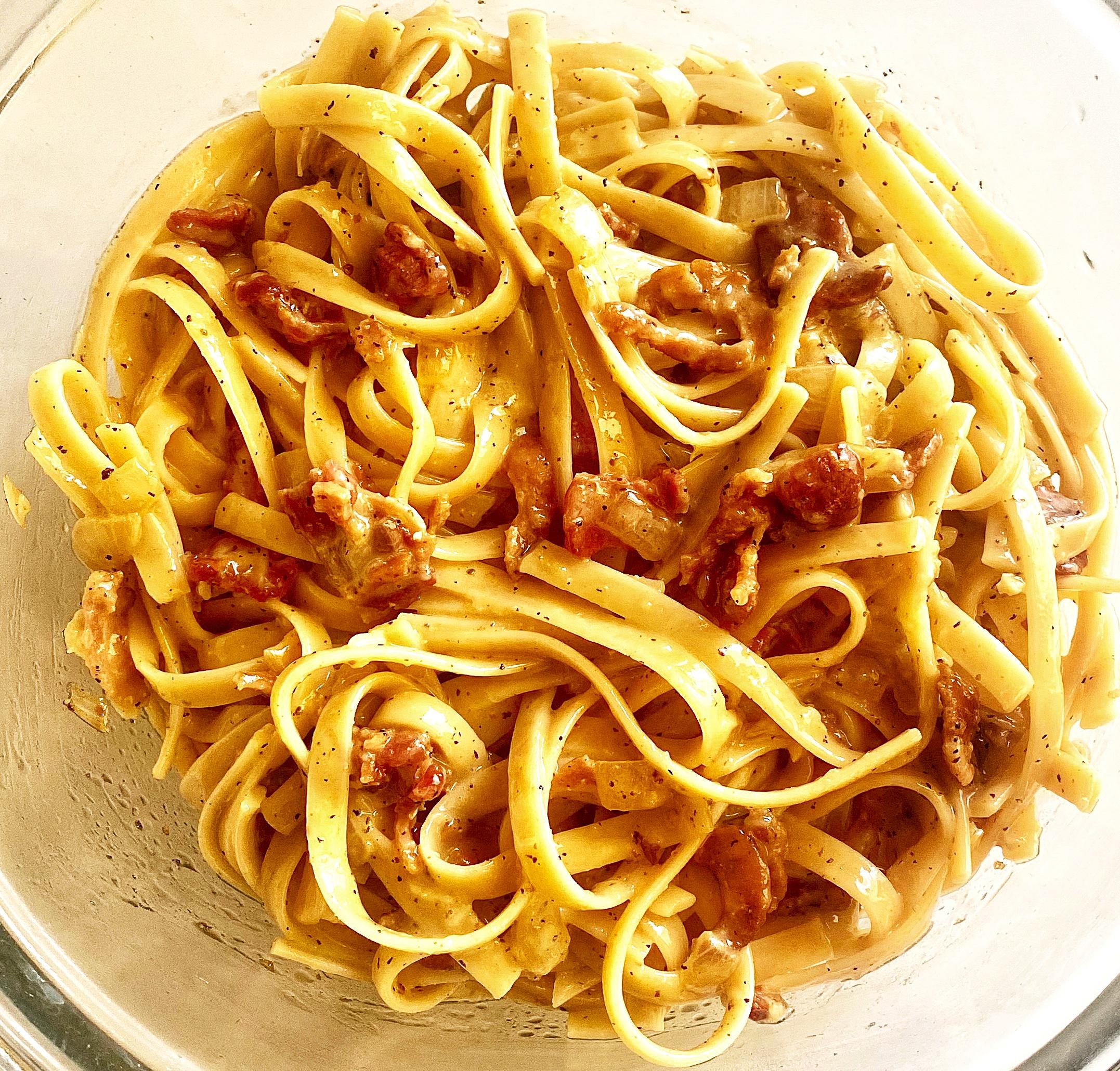 Italian Carbonara with Bacon Yoly