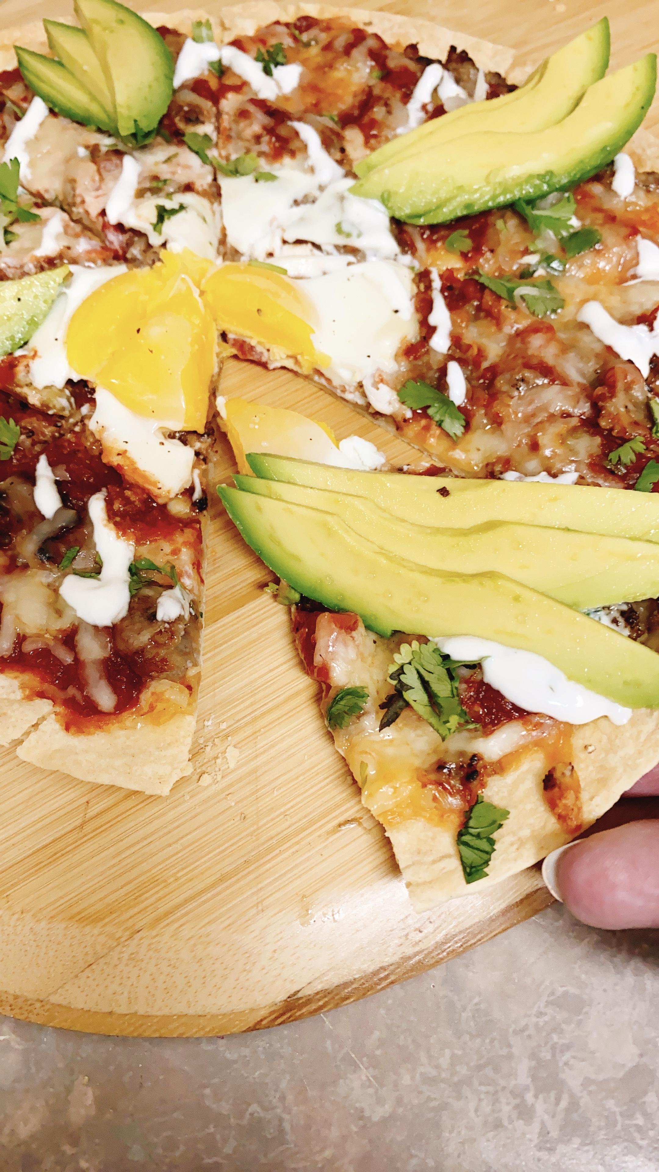 Simple Southwestern Breakfast Pizza