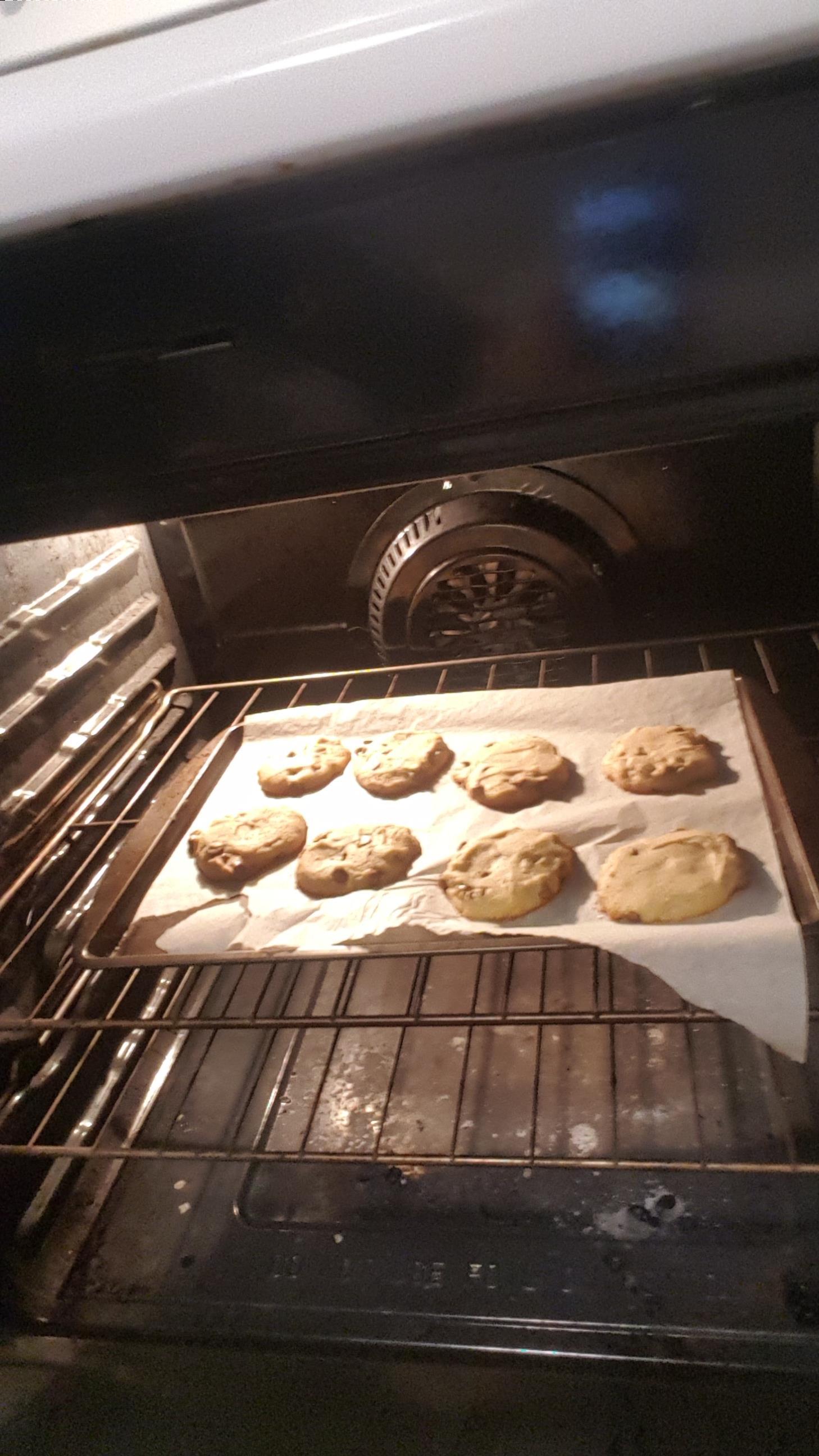 5-Ingredient Easy Chocolate Chip Cookies