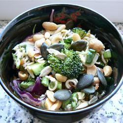 Broccoli and Ramen Noodle Salad TLOZEC