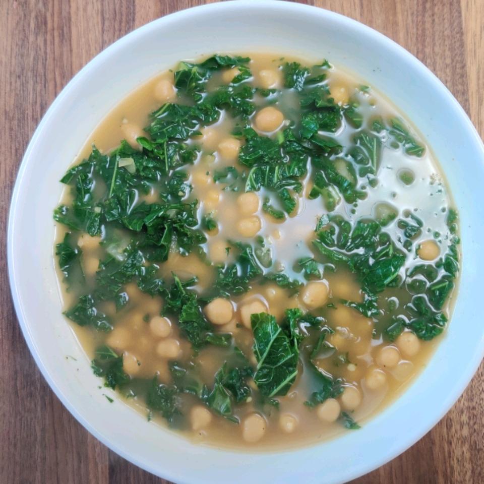 Vegan Kale and Chickpea Soup Lisa Hollis