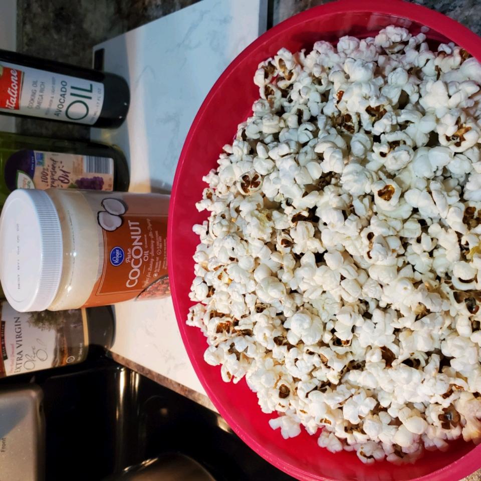 Coconut Oil Popcorn hotmamaAThome