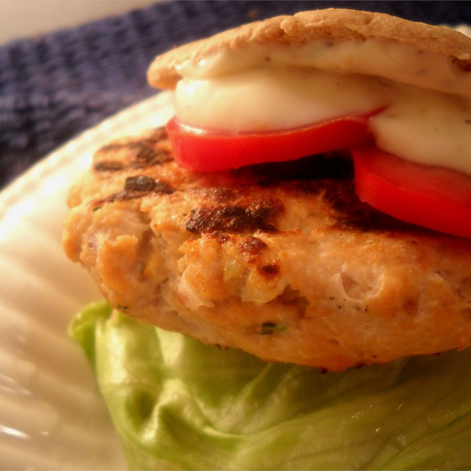 Salmon Burgers with Lemon Basil Mayo Linda T