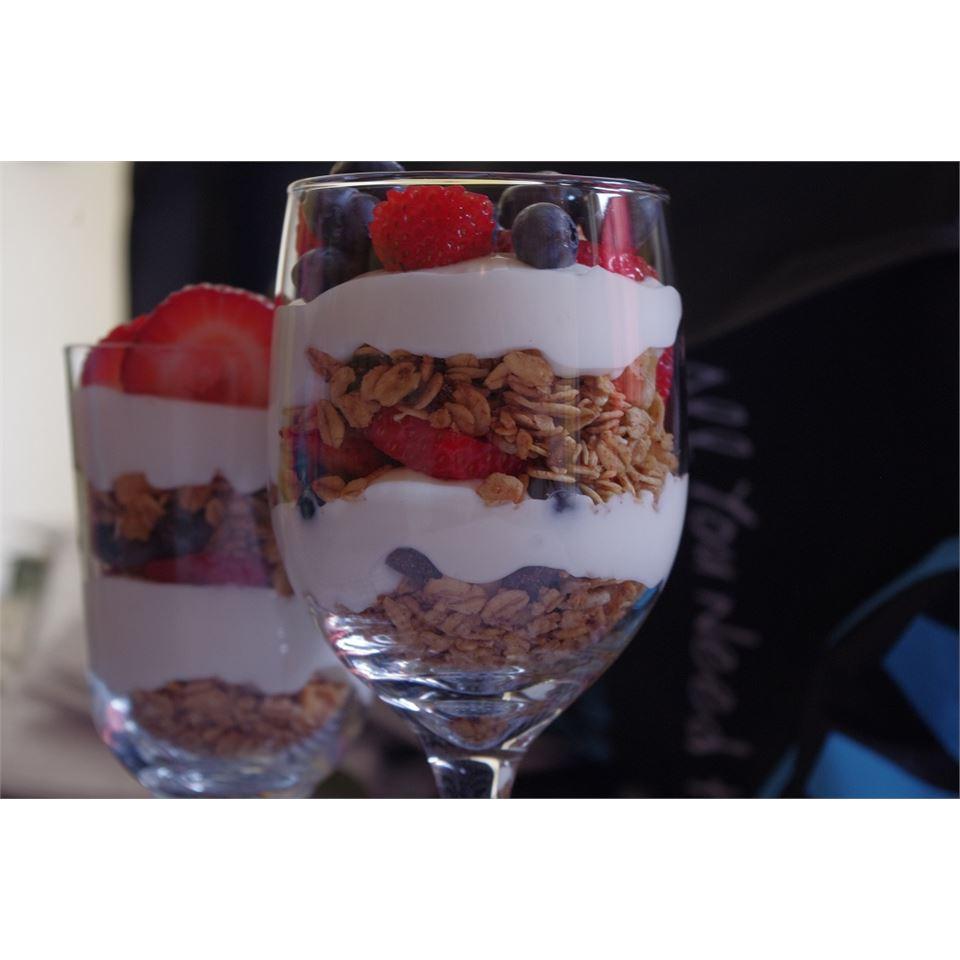 Summer Berry Parfait with Yogurt and Granola