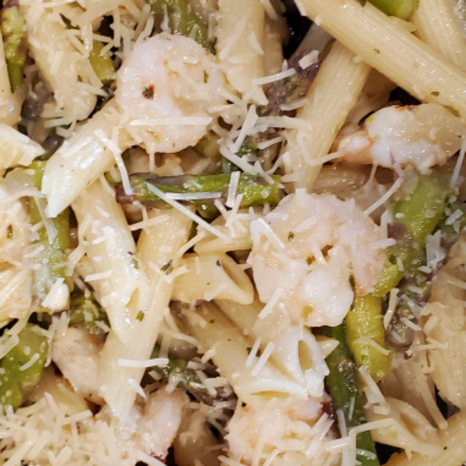 Elegant Penne with Asparagus and Shrimp Altricia Jordan