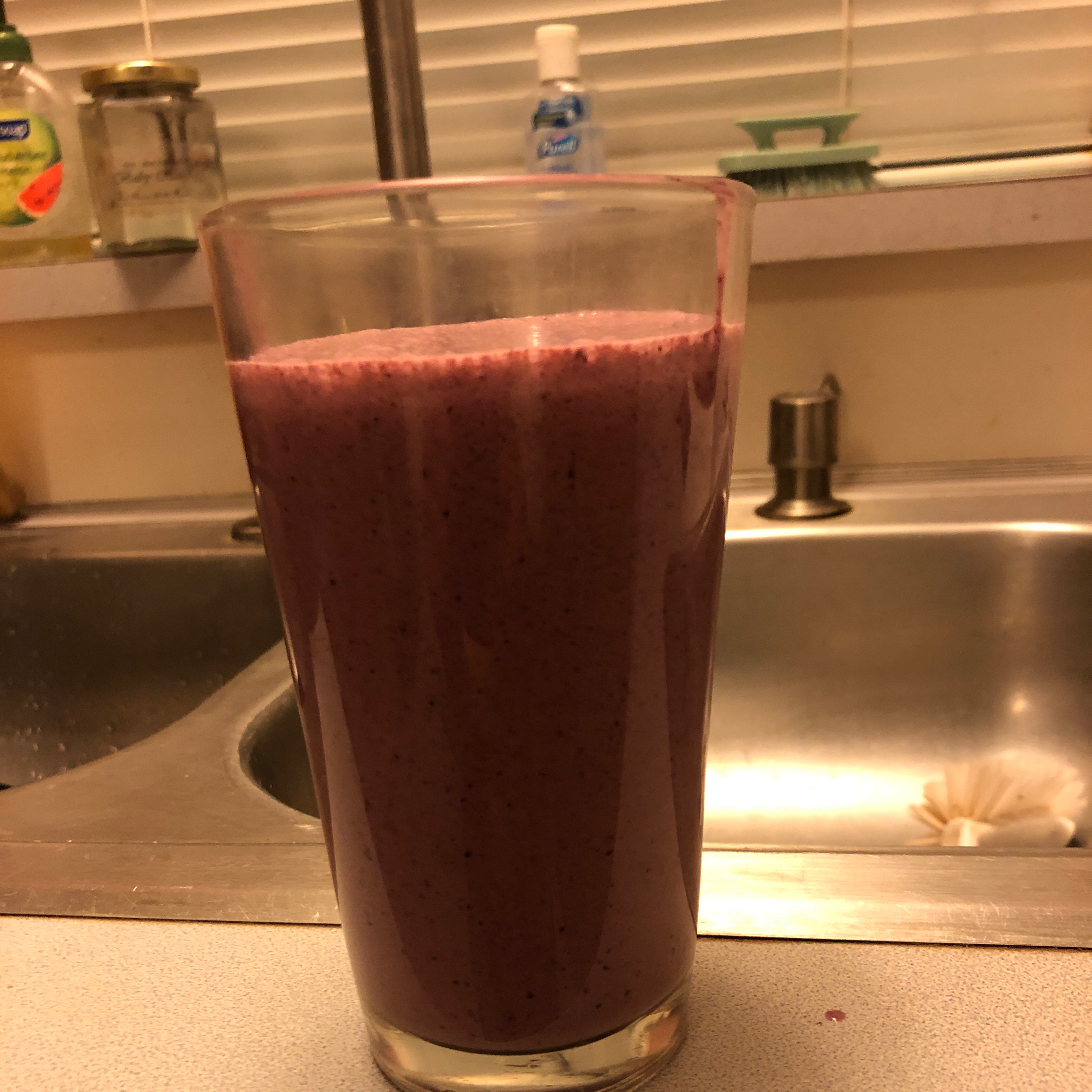 Heart Healthy Blueberry Smoothie beverly