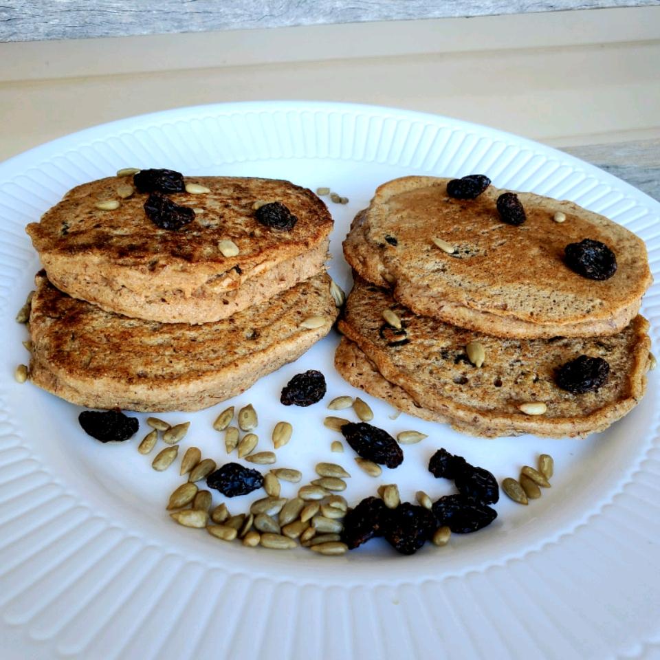 Low-Cholesterol Whole Wheat Pancakes