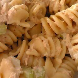 Cold Macaroni and Tuna Salad Natsu