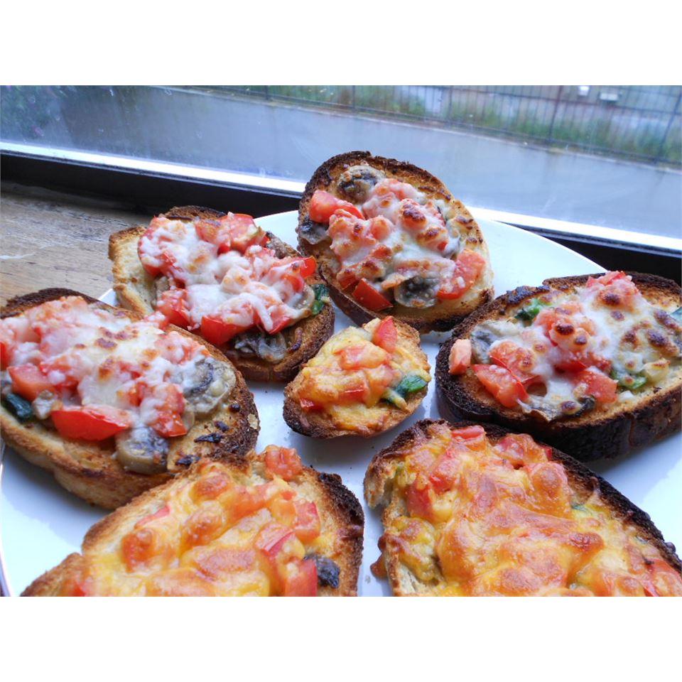 Mushroom and Tomato Bruschetta kellieann