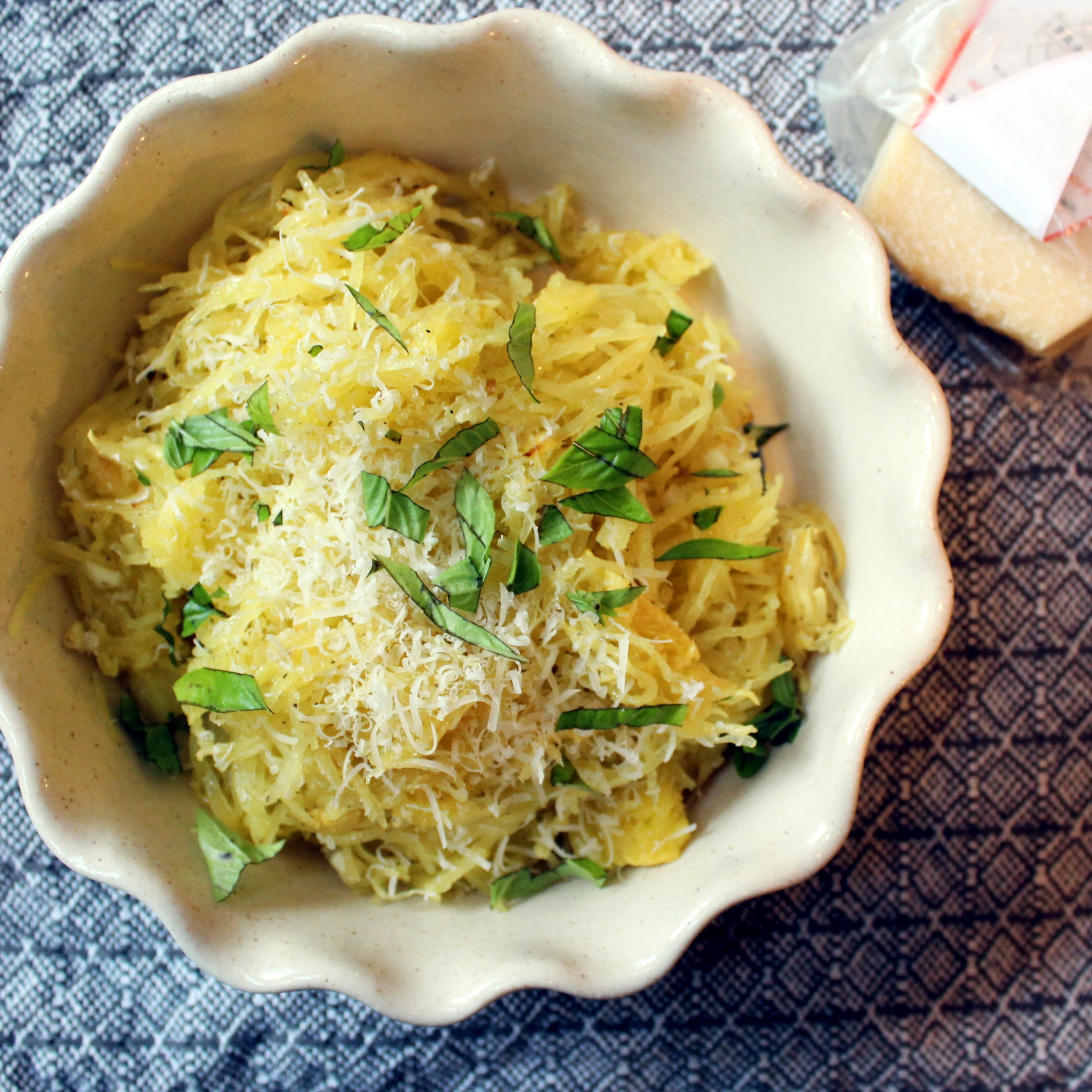 Yummy Garlicky Spaghetti Squash