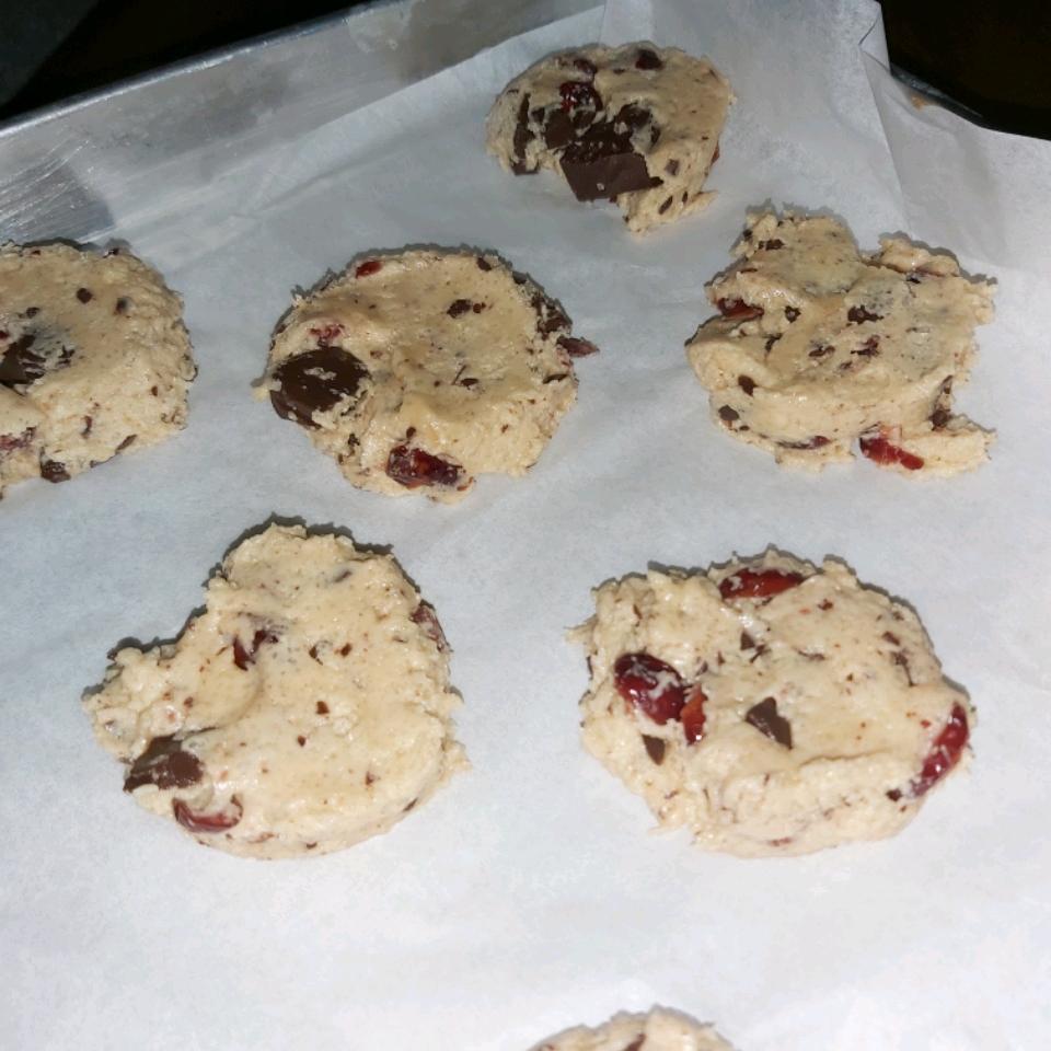 Chocolate Chip Crispy Cookies Lilee Abdullah