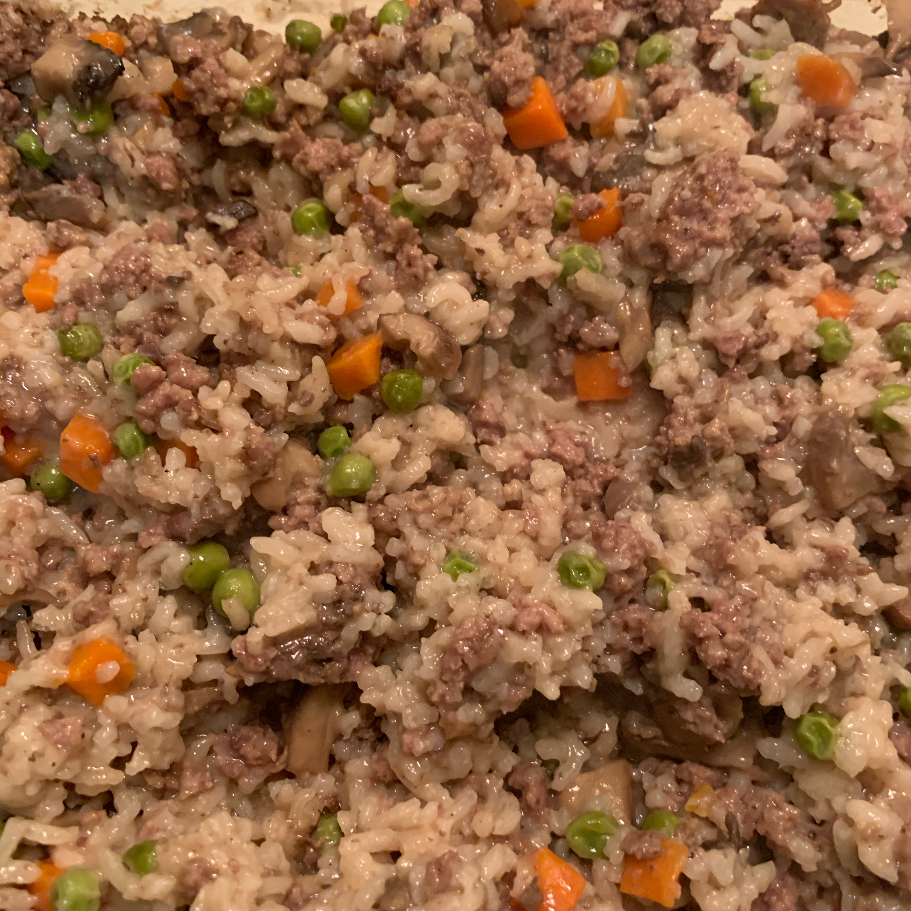 Oven Brown Rice with Carrots and Mushrooms elk