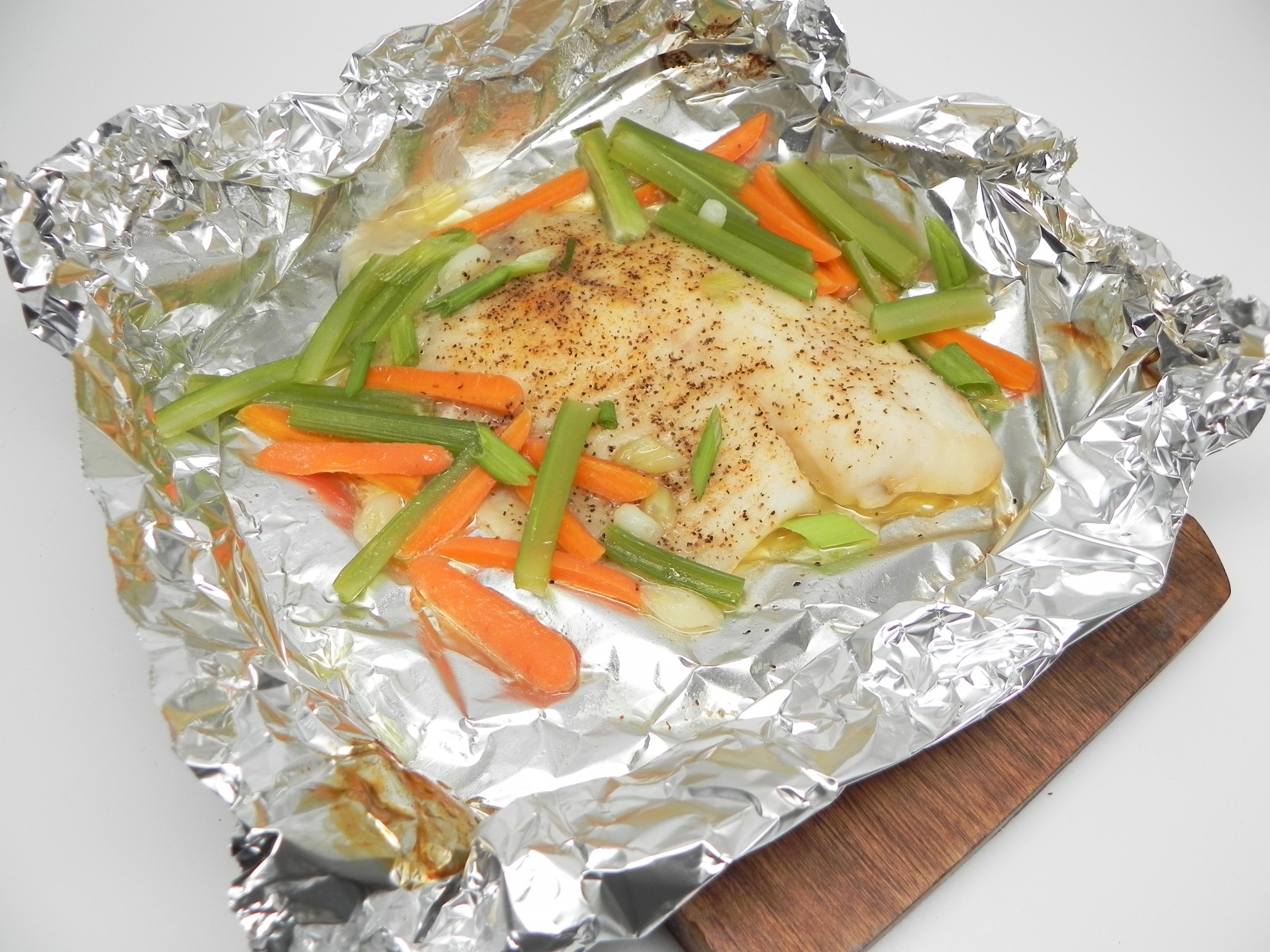 Baked Tilapia with Veggies in Foil