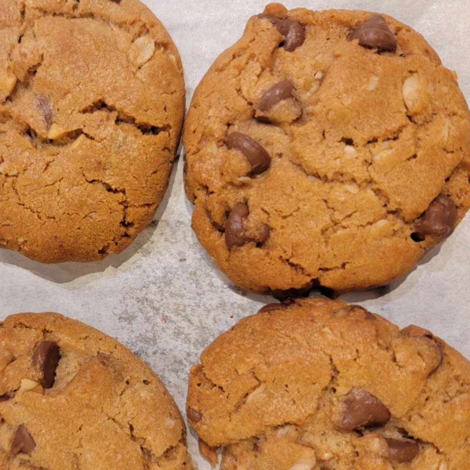 Outrageous Chocolate Chip Cookies Kim O