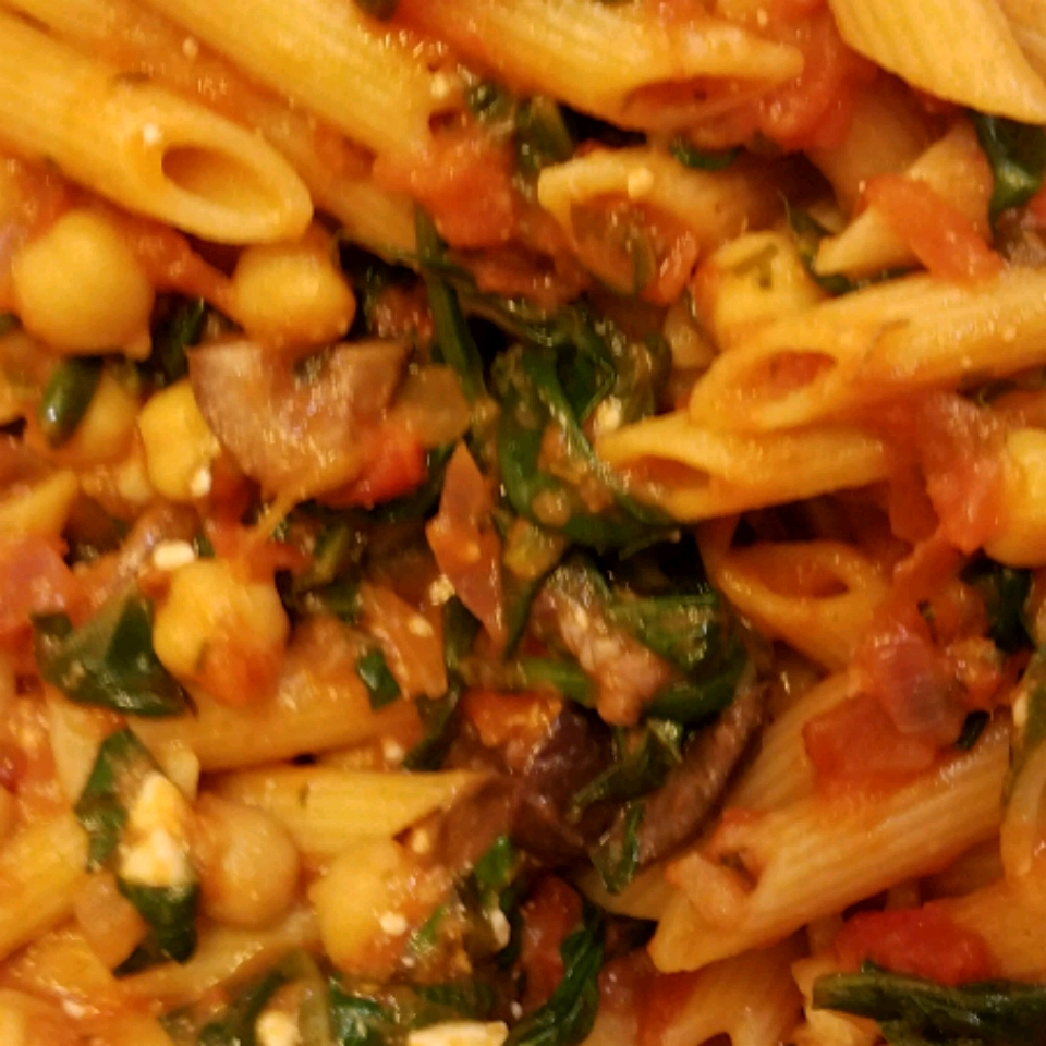 Greek Pasta with Tomatoes and White Beans PIEWIFE