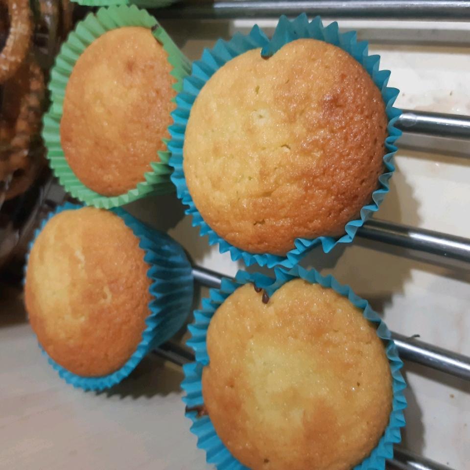 Vanilla Coconut Flour Cupcakes