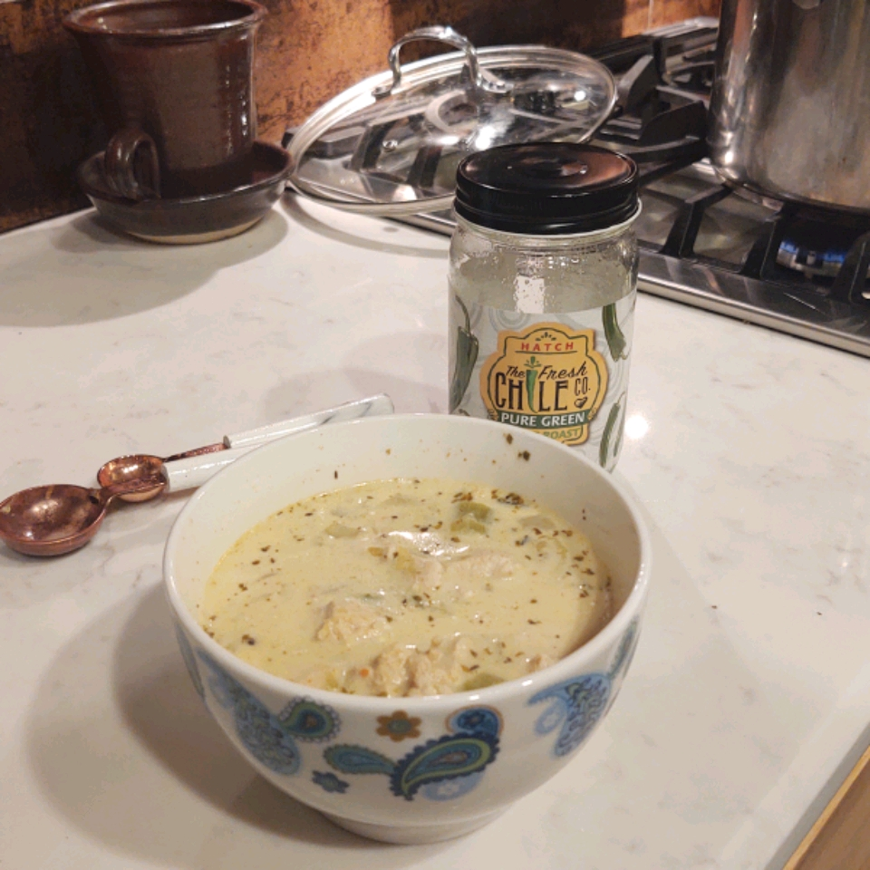 Creamy White Chicken Chili with Salsa Verde LAVIRDEN