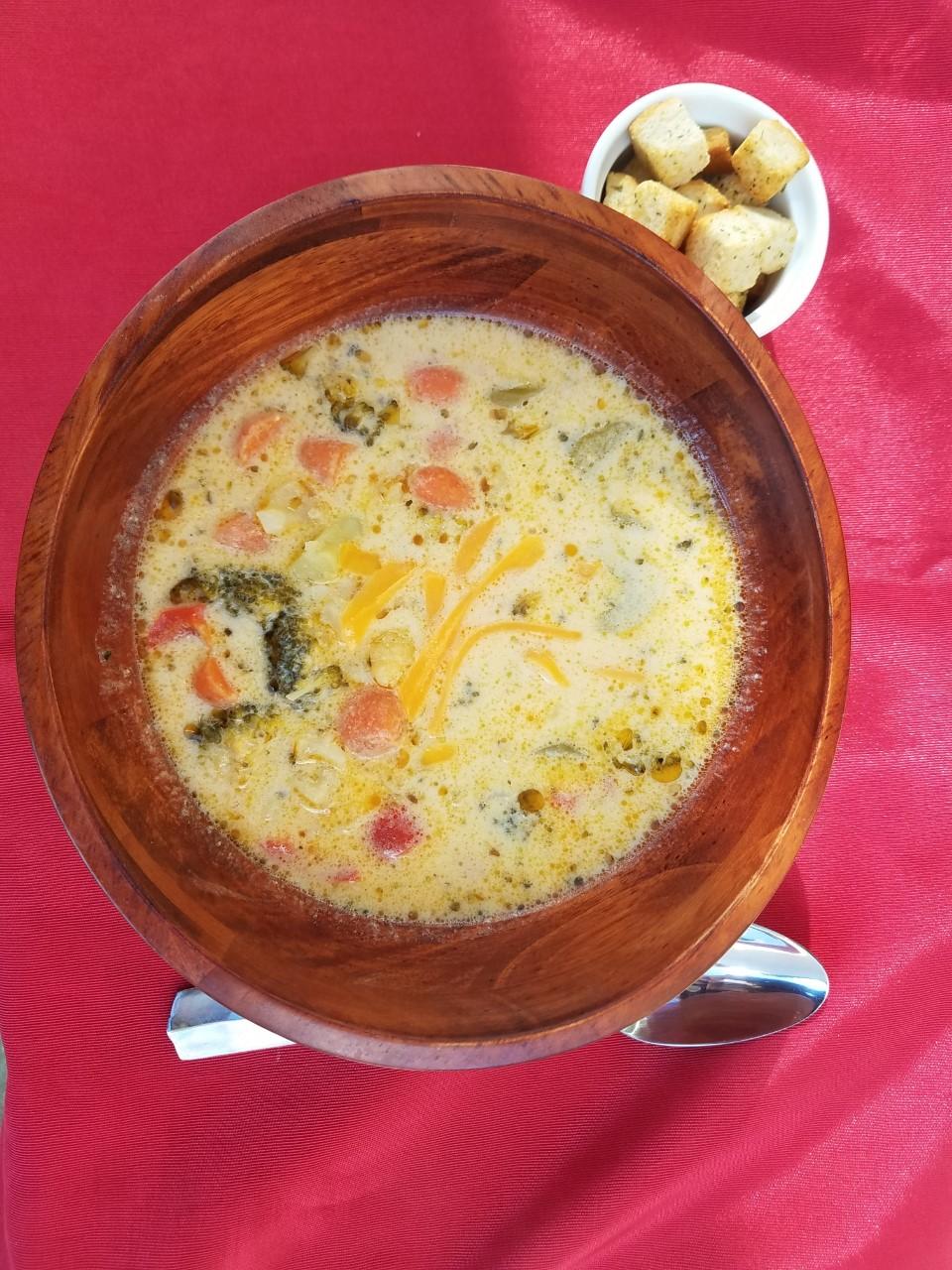 Cheesy Vegetable Soup I Liz Dalton 'Lizzie'