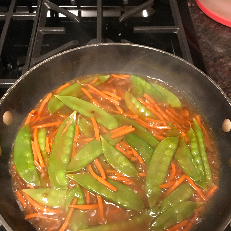 Stir-Fried Snow Peas and Carrots