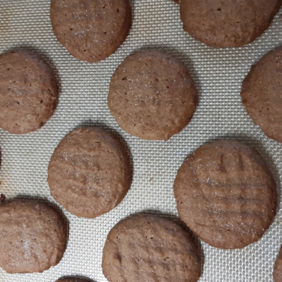 Easy Whole Wheat Peanut Butter Cookies