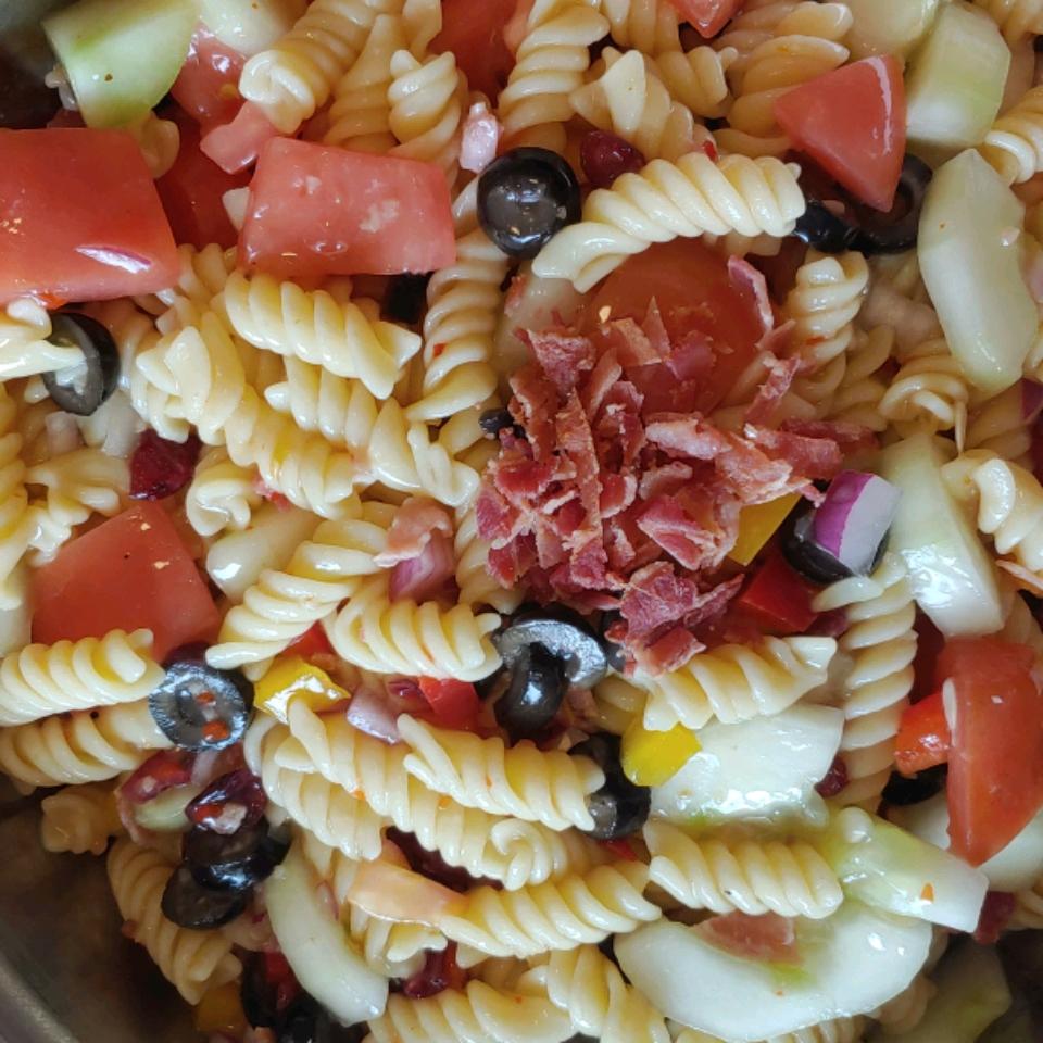 Simple Tasty Pasta Salad CRRL56@GMAIL.COM