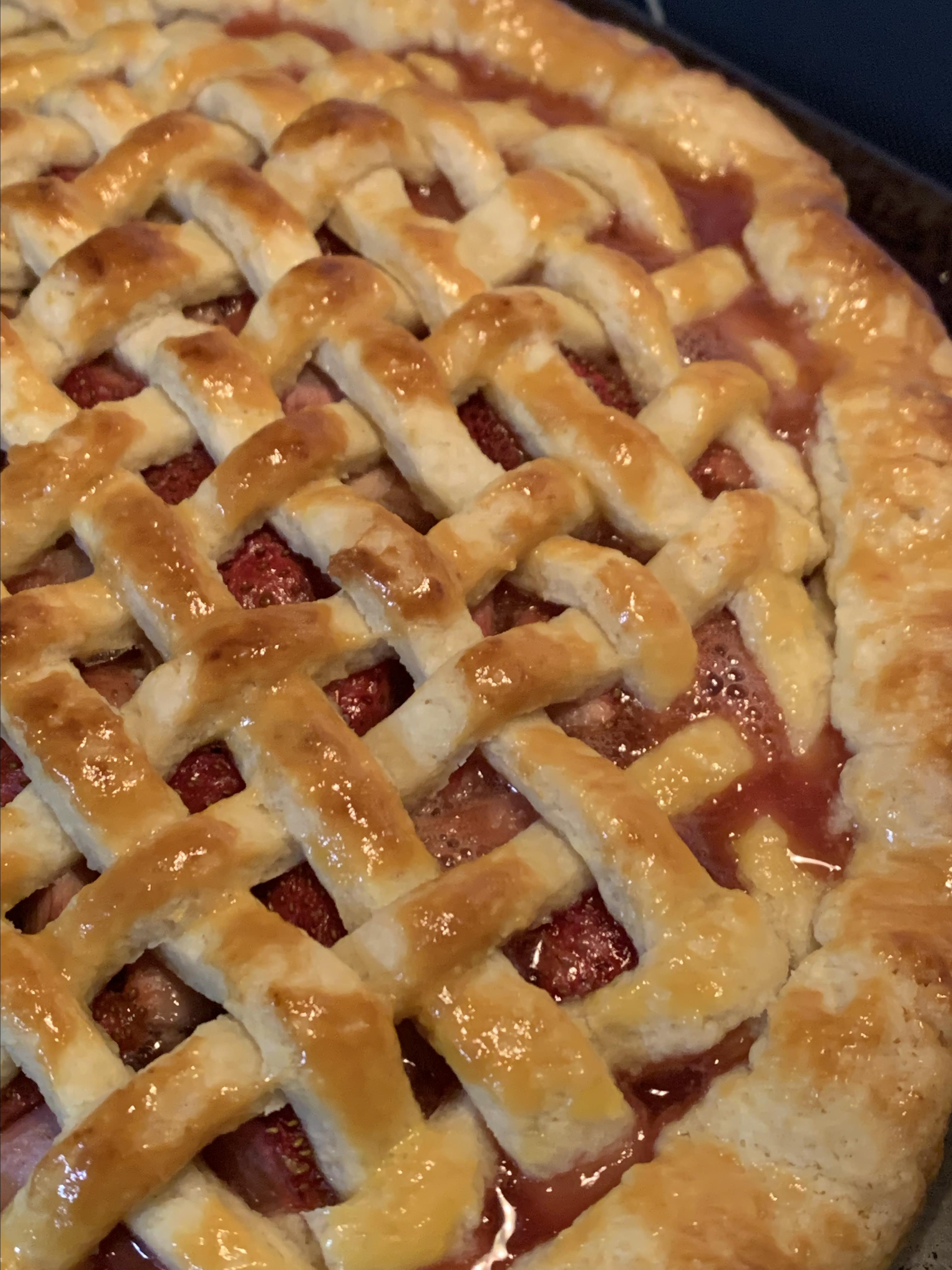 Favorite Strawberry Rhubarb Pie