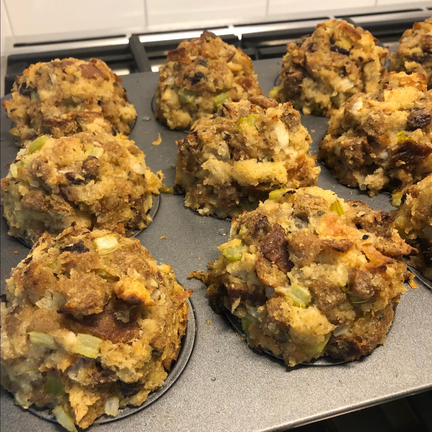 Gravy-Stuffed Stuffing Muffins jaybu