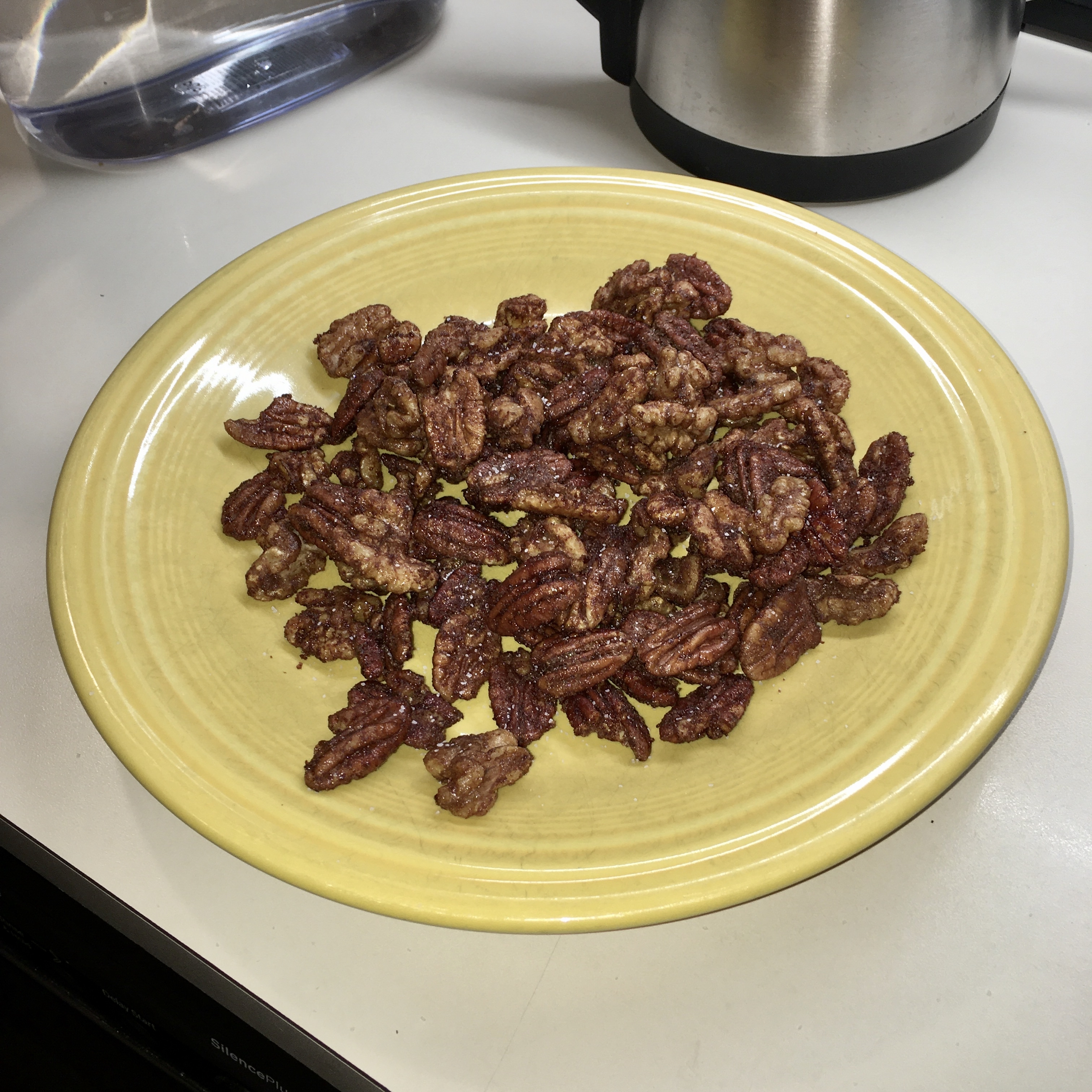 Spicy Mixed Nuts Chertinep