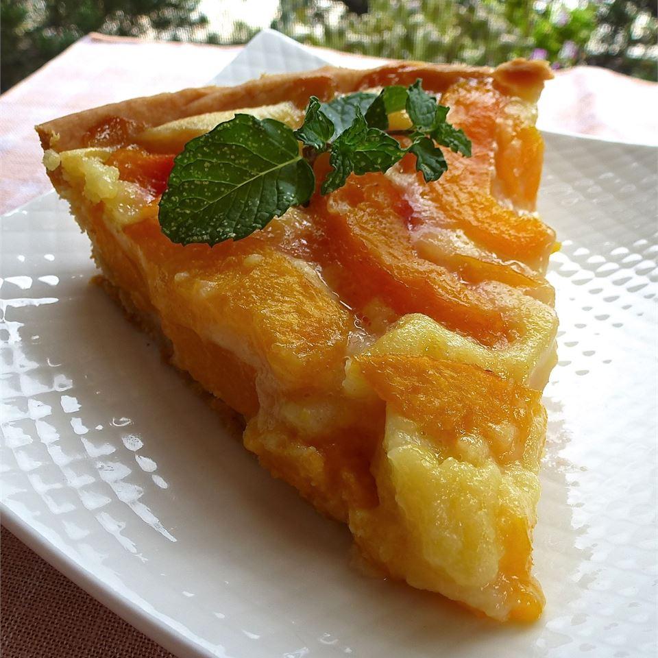 Peach Pie with Sour Cream