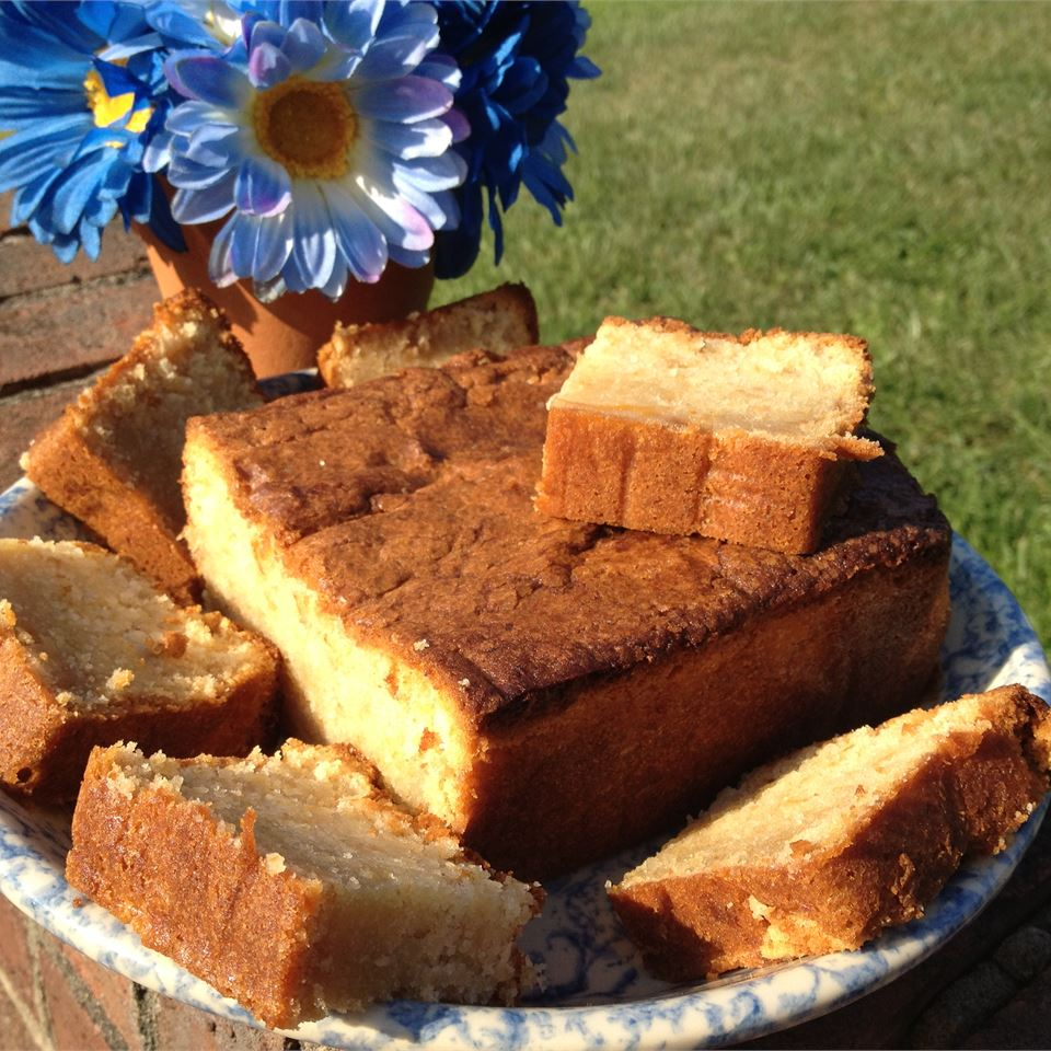 Moist Peach Pound Cake OODLES_OR