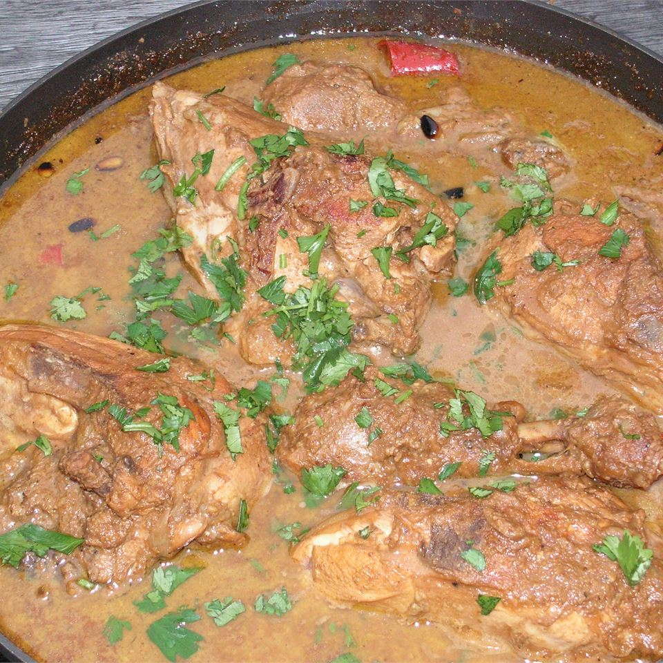 Pomegranate Stew with Chicken (Khoresh Fesenjan) chwood