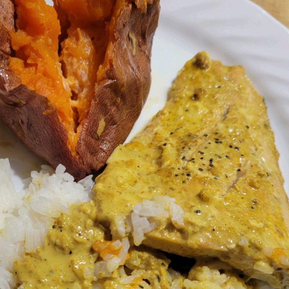 Pan-Fried Salmon in Curry Cream Sauce Yvette Fleming