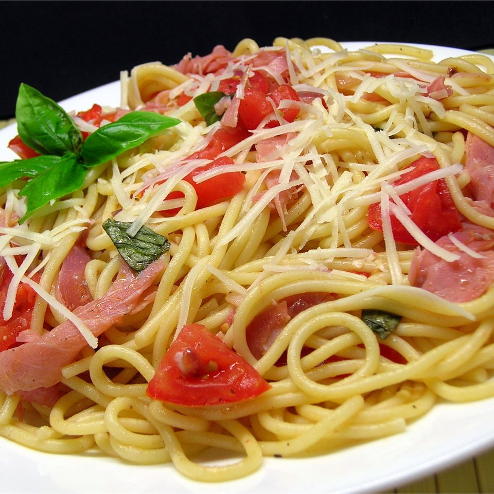 Summer Fresh Pasta with Tomatoes and Prosciutto *Sherri*