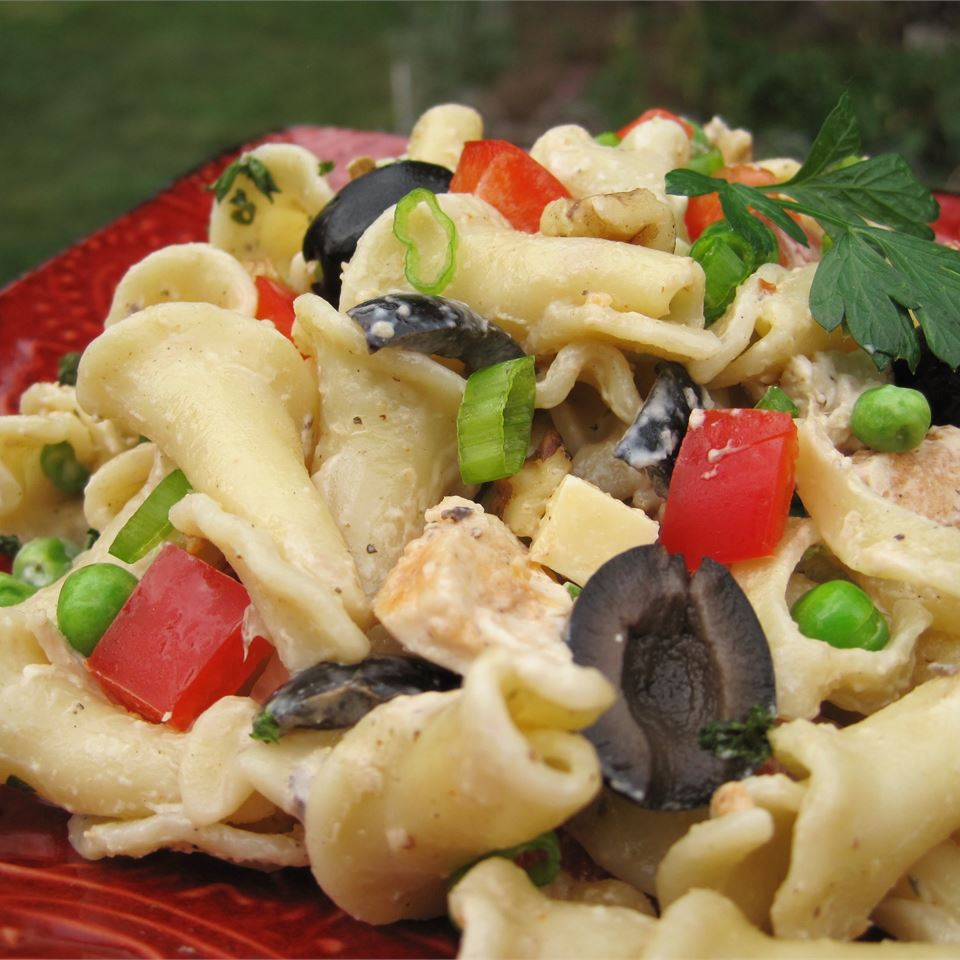 Chicken and Vegetable Pasta Salad LYNNINMA