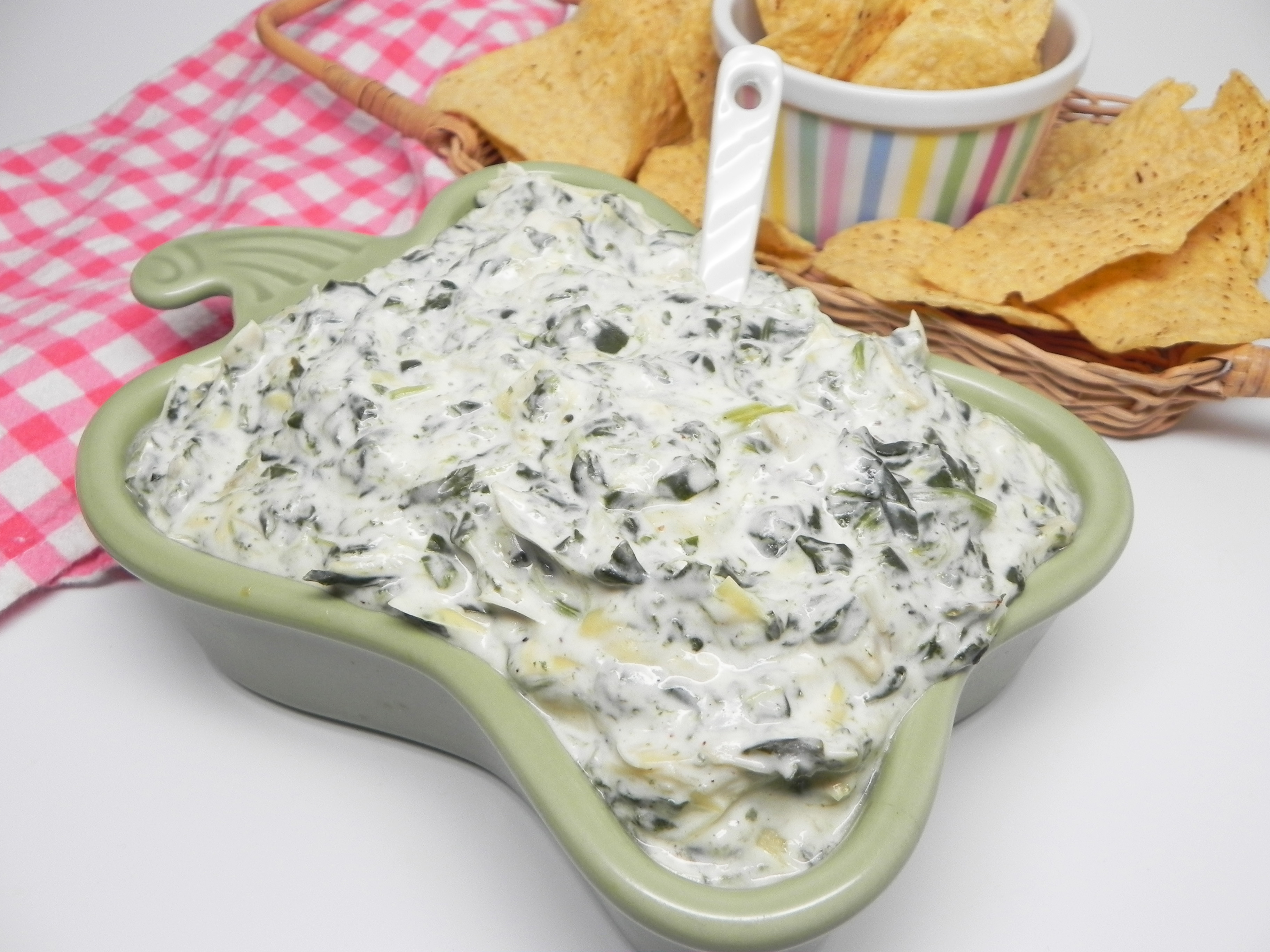 Slow Cooker Spinach-Artichoke Dip