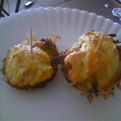 BBQ Pork-Stuffed Corn Muffins kito345
