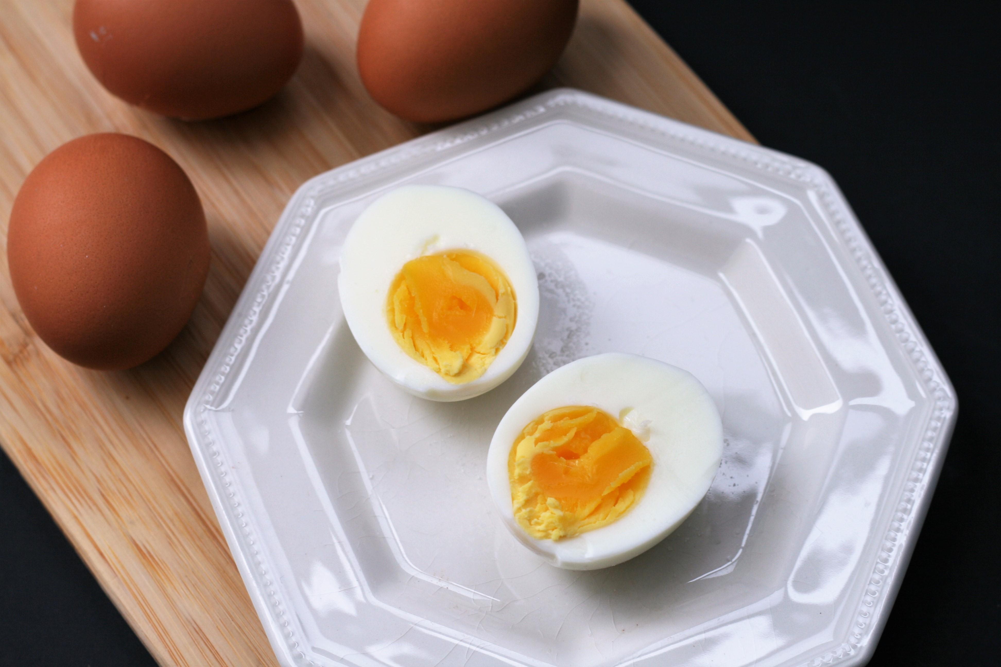 """Easy-Peel Hard-""""Boiled"""" Eggs"""