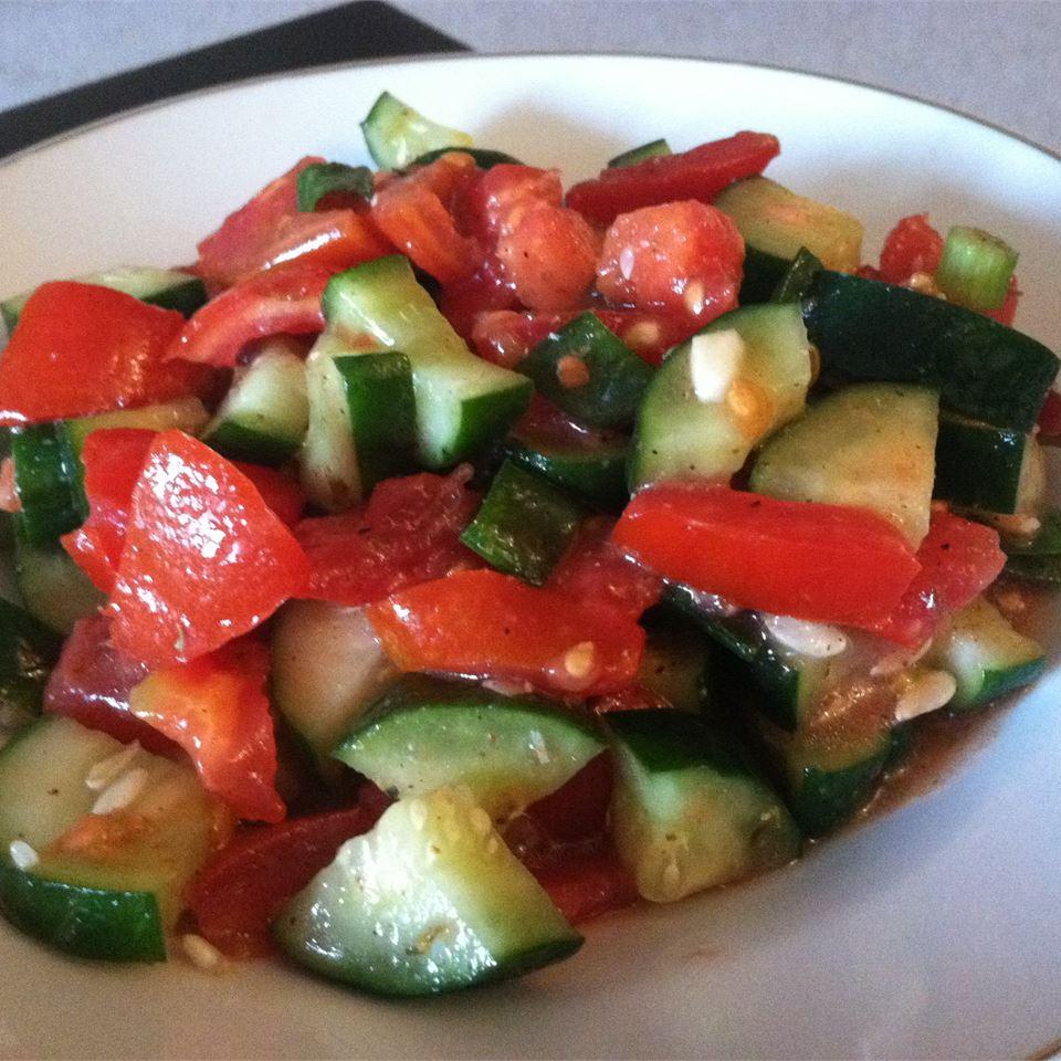 Italian Tomato Cucumber Salad