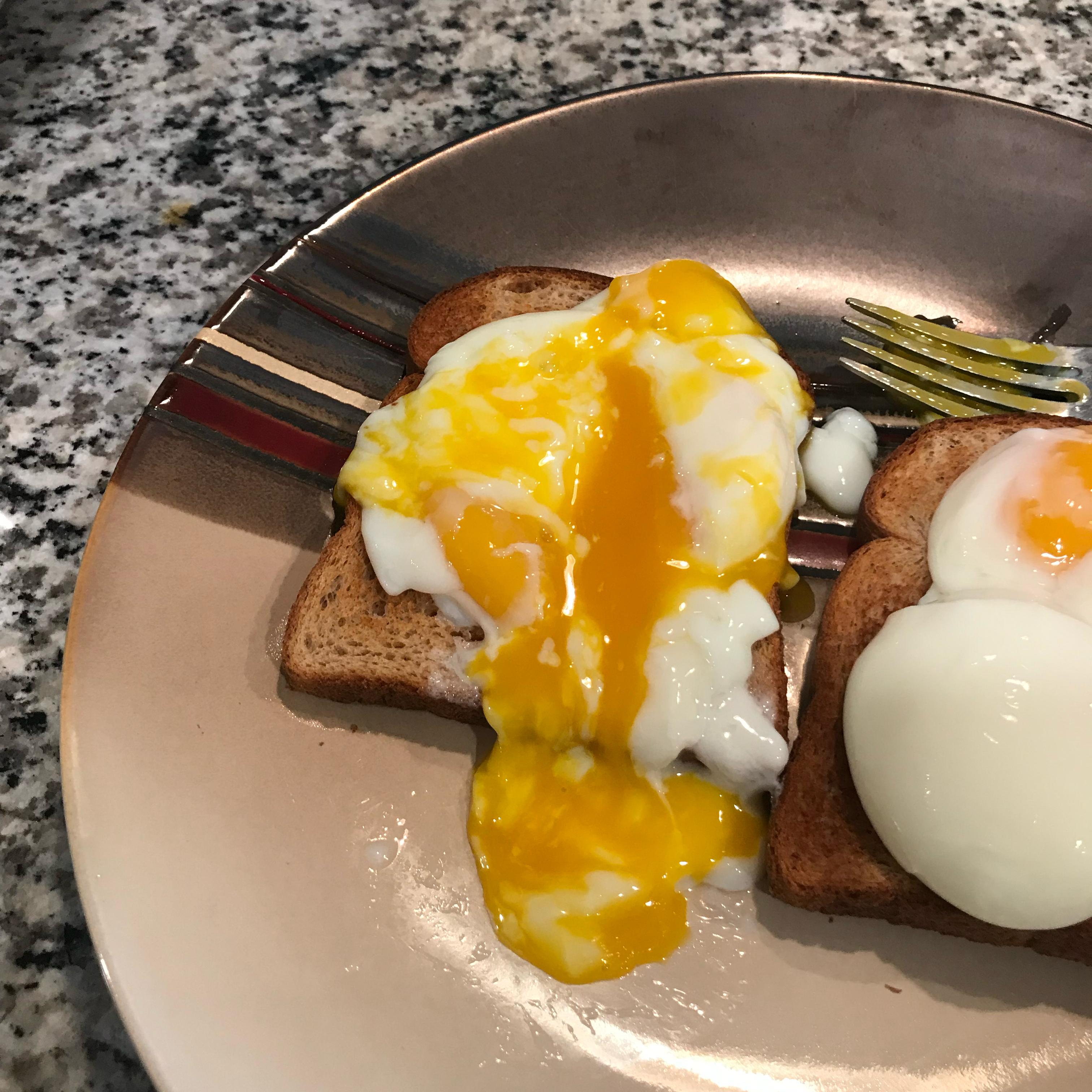 """Sous Vide """"Poached"""" Eggs Bill Lopez"""