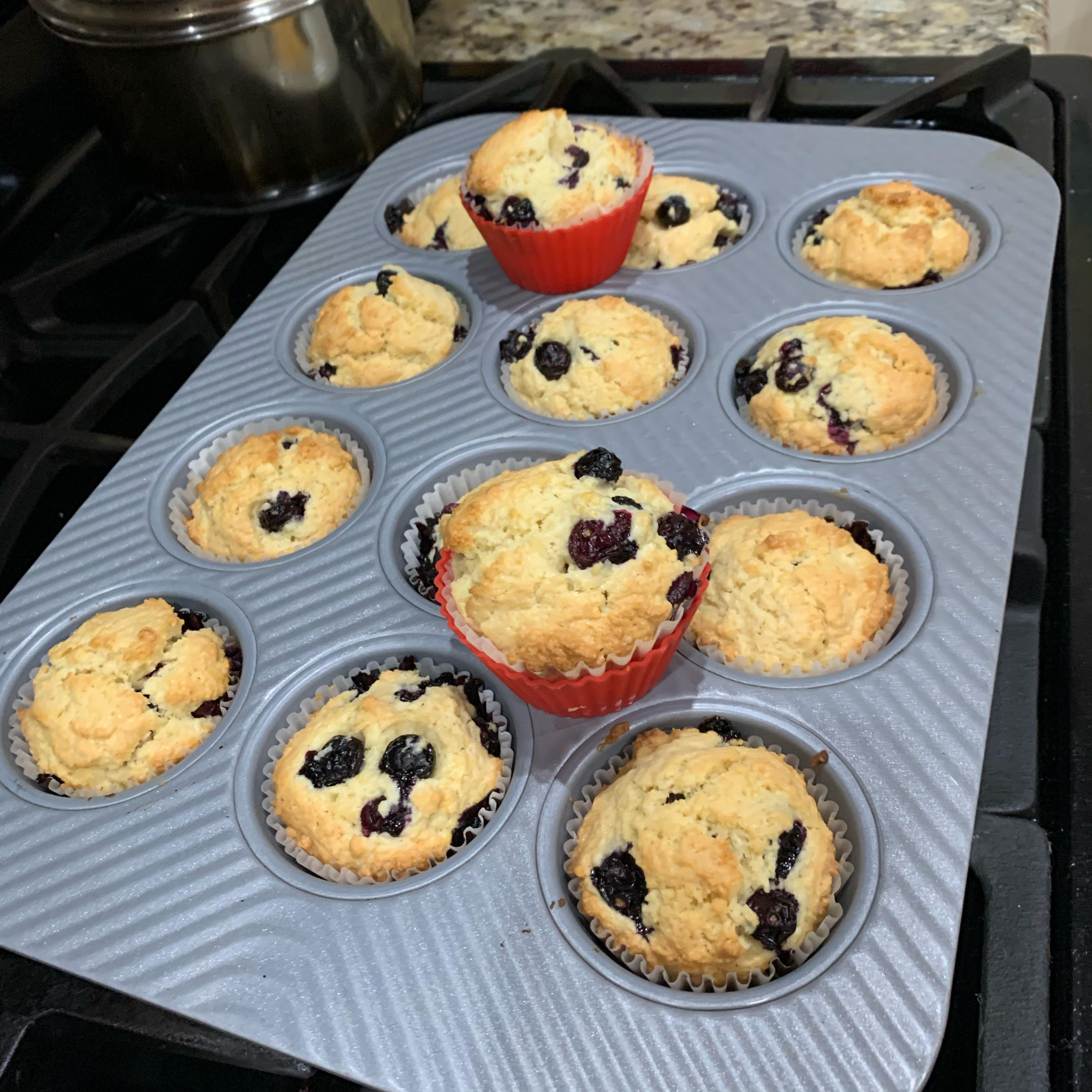 Jordan Marsh Style Blueberry Muffins