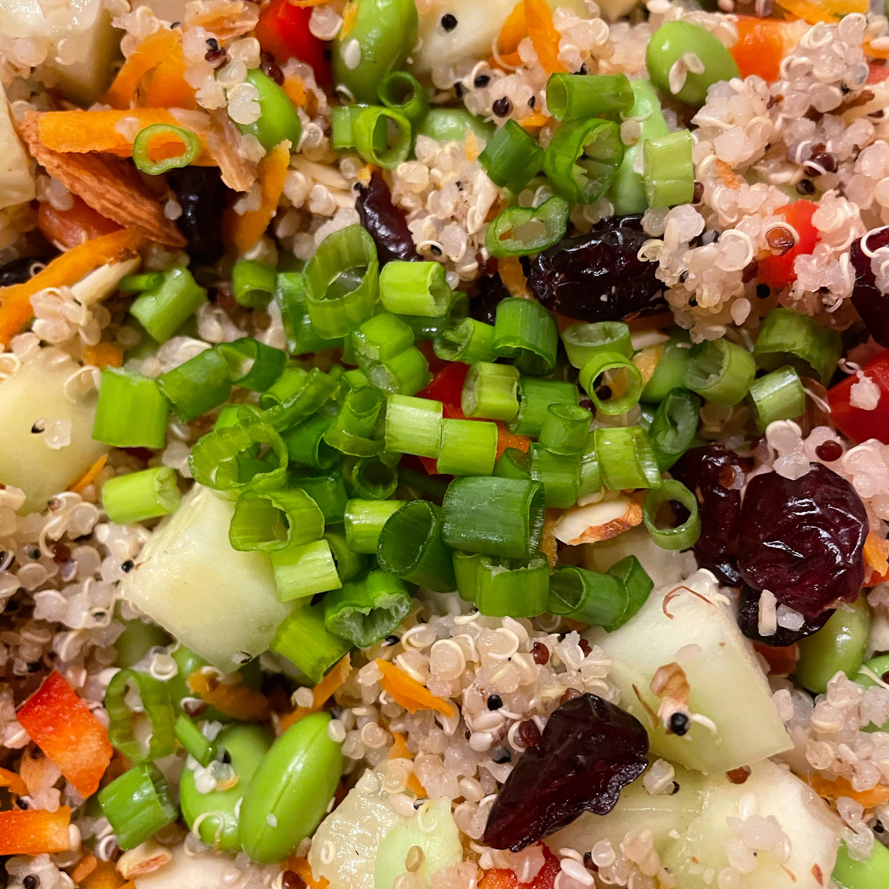 Easy Quinoa and Edamame Salad Evelyn