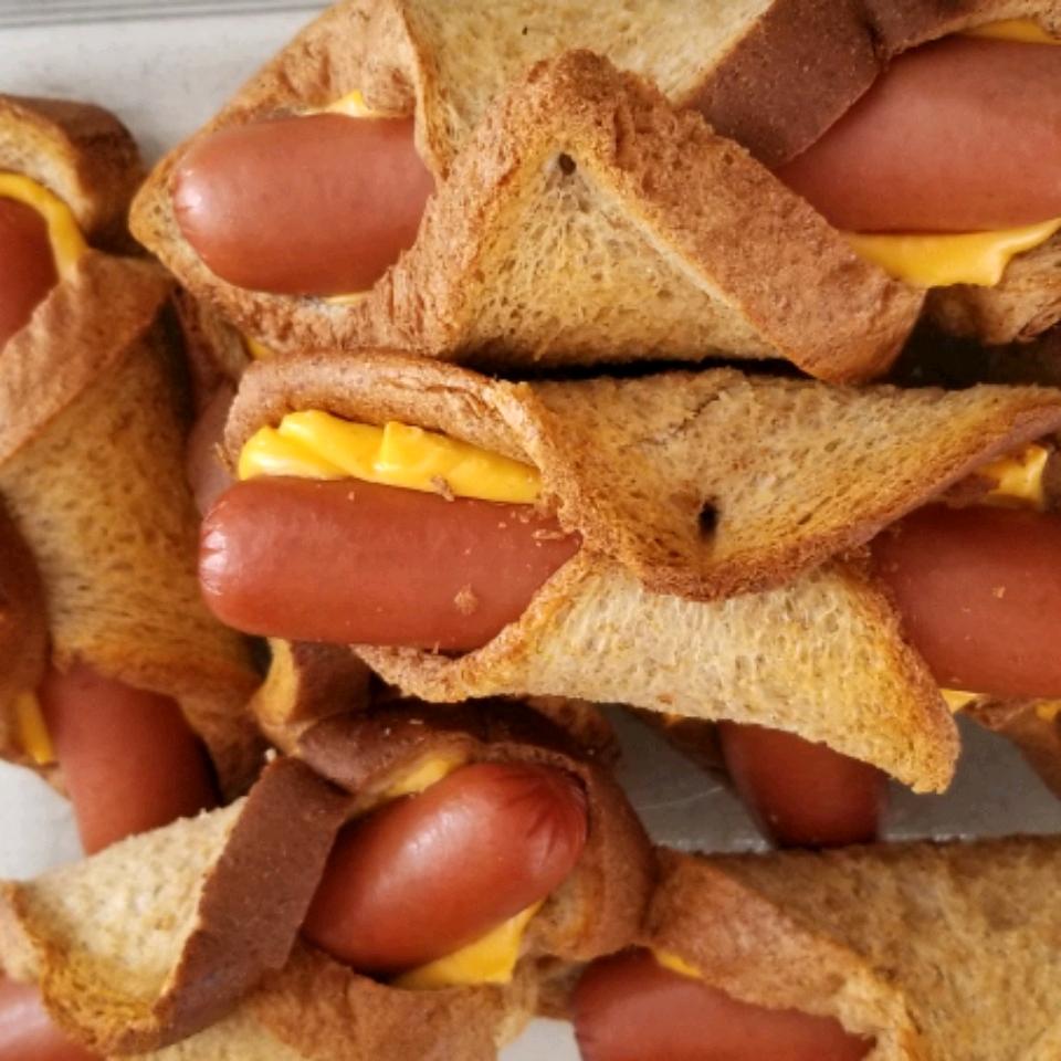 Wiener Winks Jennifer Tagtow