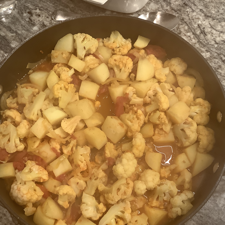 Aloo Gobi Masala (Cauliflower and Potato Curry)