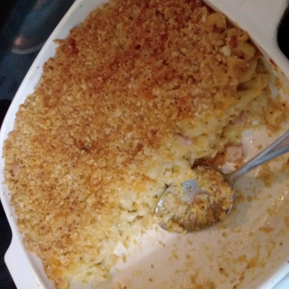 Mena's Baked Macaroni and Cheese with Caramelized Onion Margaret
